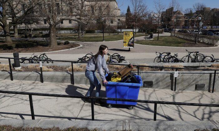 Michigan Mandates People Stay at Home Amid CCP Virus Pandemic